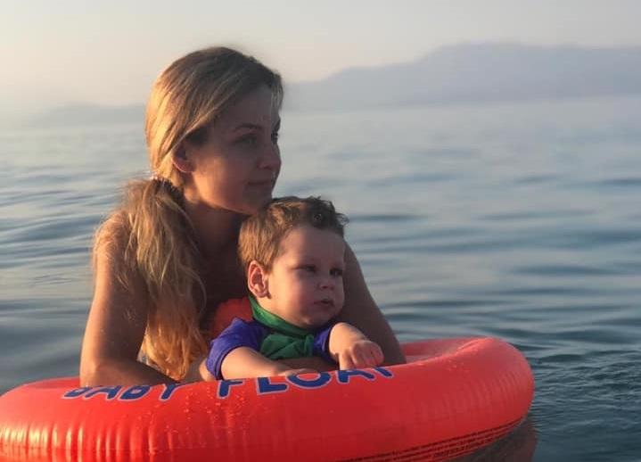 """""""Με το κεφάλι ψηλά, ατρόμητη μαμά παιδιού ΑμεΑ"""": Το μήνυμα ενθάρρυνσης που αξίζει να ακουστεί παντού"""