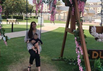 Εταιρεία προσφέρει κάθε μήνα 500 ευρώ στην οικογένεια της Καρολαίν μέχρι να ενηλικιωθεί η μικρή Λυδία