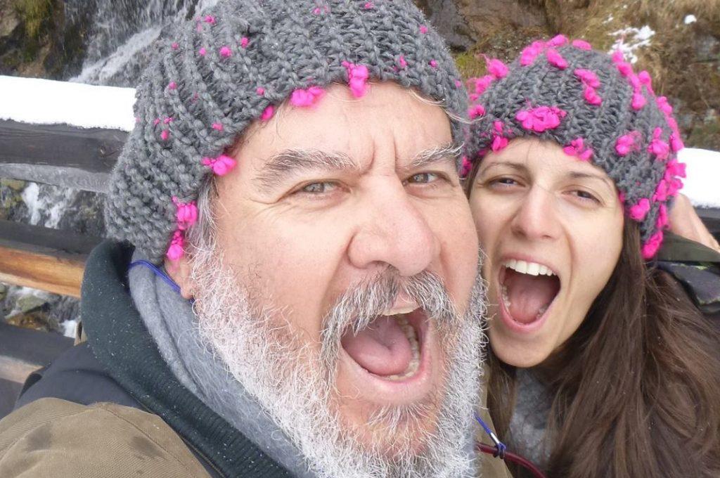 O Βασίλης Χαλακατεβάκης έγινε μπαμπάς στα 63 του – Η πρώτη φωτογραφία της κόρης του