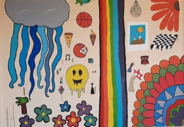 Οι μαθητές της ΣΤ του 4ου Δημοτικού Σχ. Ν. Σμύρνης αποχαιρέτισαν τις τάξεις τους με 3 τοιχογραφίες