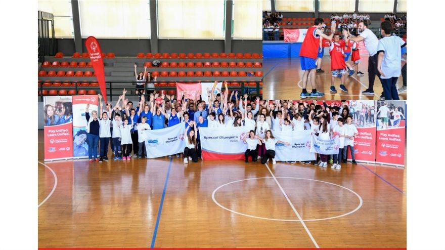 Μνημόνιο Συνεργασίας μεταξύ του Υπουργείου Παιδείας και Θρησκευμάτων και του μη κερδοσκοπικού, αθλητικού και εκπαιδευτικού σωματείου Special Olympics Hellas υπεγράφη, με στόχο την ενίσχυση της κοινωνικής ένταξης των ατόμων με νοητική αναπηρία, την υποστήριξη των οικογενειών τους και την ευαισθητοποίηση της εκπαιδευτικής κοινότητας σε θέματα που τους αφορούν, μέσω της ανάπτυξης του Εκπαιδευτικού Προγράμματος των Special Olympics Hellas: «Σχολεία Ενταξιακού Αθλητισμού (Unified Schools) - Παίζουμε Μαζί. Μαθαίνουμε Μαζί.».