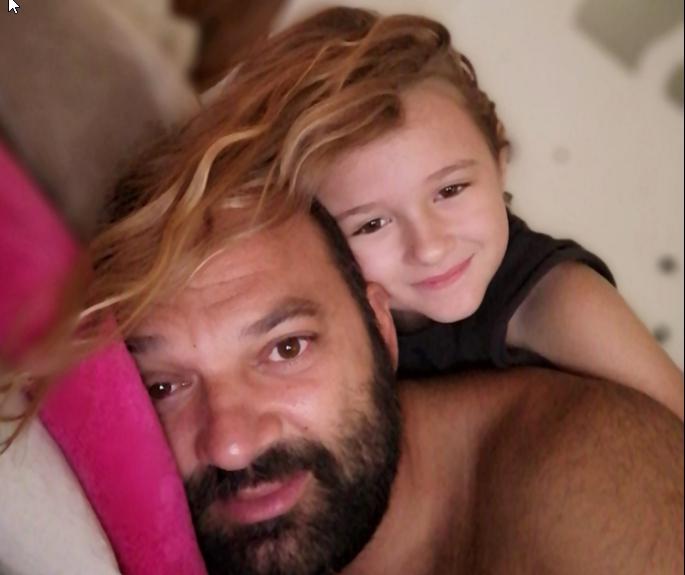 """Θρήνος για την 7χρονη Παναγιώτα που """"έσβησε"""" στην άσφαλτο - Το αντίο του μπαμπά της"""