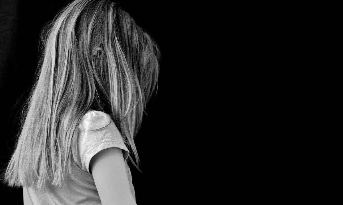 Σοκ στην Ηλιούπολη: «Στο κολαστήριο της 19χρονης ζούσε και η 9χρονη κόρη του αστυνομικού»