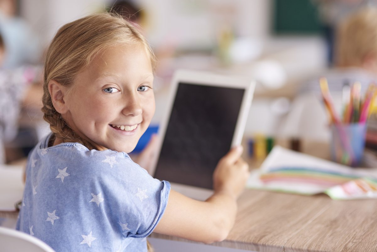 «Ψηφιακή Μέριμνα»: Αυξάνονται οι δικαιούχοι – Δείτε πώς μπορείτε να πάρετε δωρεάν laptop/ tablet για τα παιδιά σας