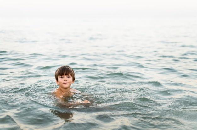 Πανικός σε παραλία του Πηλίου: 5χρονος ανασύρθηκε ημιλιπόθυμος από τη θάλασσα