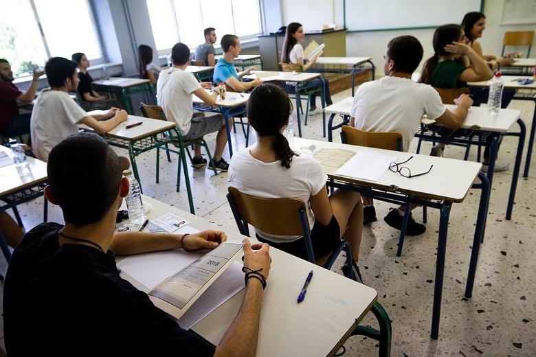"""Ελάχιστη Βάση Εισαγωγής: """"Κόφτης"""" στα πανεπιστήμια ακόμη για άριστους - Ιστορίες μαθητών που αναδεικνύουν το φιάσκο"""