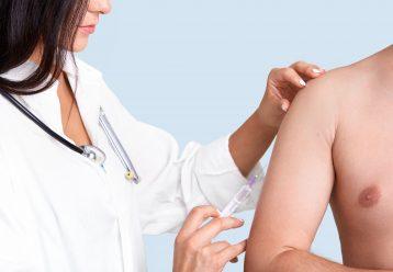 Η απόφαση για τον εμβολιασμό των εφήβων προέκυψε τώρα, επειδή τώρα υπάρχουν οι μελέτες