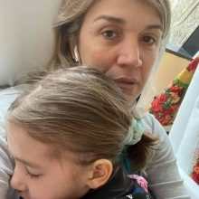 """""""Θεέ μου βοήθησε μας"""": Συγκλονίζει η μαμά της 7χρονης Αναστασίας για την μάχη που δίνει στο νοσοκομείο"""