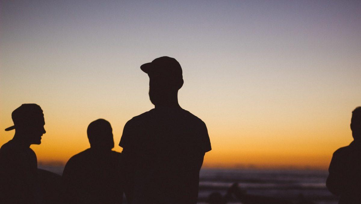 """Οργιάζουν οι συμμορίες ανηλίκων: """"Τα παιδιά έχασαν το πλαίσιο της οικογένειας"""" λέει γνωστή παιδοψυχολόγος"""