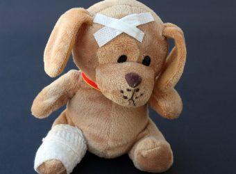 Ζάκυνθος: Κοριτσάκι 22 μηνών έπεσε από τις σκάλες - Νοσηλεύεται με κρανιοεγκεφαλικές κακώσεις