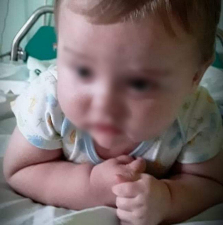 O 2χρονος Ταξιάρχης έχει διαγνωστεί με αιμορροφιλία και οζώδη σκλήρυνση – Χρειάζεται την άμεση βοήθειά μας