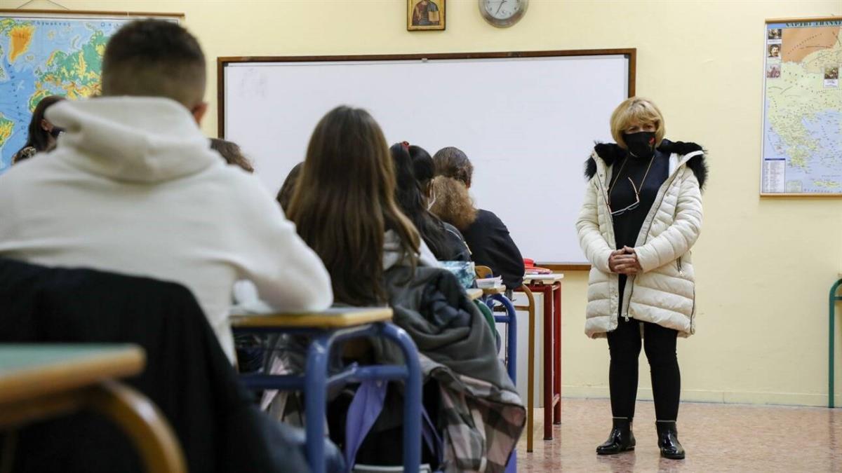 Το σχέδιο του Υπ. Παιδείας για τη λειτουργία των σχολείων – Με πόσα κρούσματα θα κλείνει το τμήμα – Μάσκα παντού;