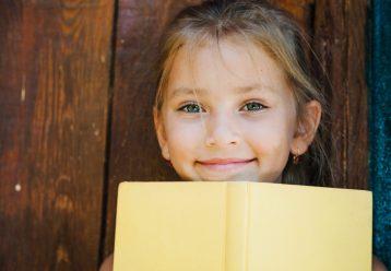 """Καλοκαιρινή απώλεια μάθησης: Ποια παιδιά είναι πιο """"ευάλωτα"""" και τι πρέπει να κάνουν οι γονείς"""