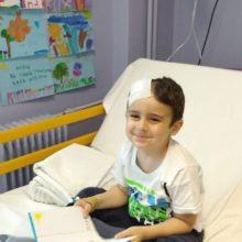 Επέστρεψε από την Ιταλία ο 5χρονος Άγγελος που διαγνώστηκε με όγκο στον εγκέφαλο - Τα νεότερα για την υγεία του