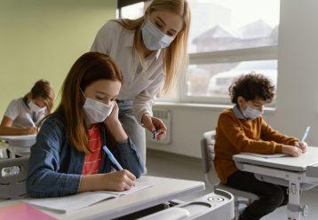 Πανεπιστήμιο Αθηνών: Πώς θα διαλέξετε τις σωστές μάσκες για τα παιδιά ενόψει της νέας σχολικής χρονιάς
