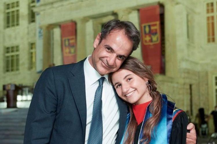 """""""Καρφιά"""" Τσίπρα για τις Βάσεις 2021 - «Κόβει 40.000 μαθητές και δεν έχει περάσει ούτε έξω από ελληνικό πανεπιστήμιο»"""