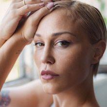 """Η Πηνελόπη Αναστασοπούλου νόσησε με Covid-19: """"Πανικοβλήθηκα γιατί αποχωρίστηκα τα παιδιά μου - Έχασα μαλλιά"""""""