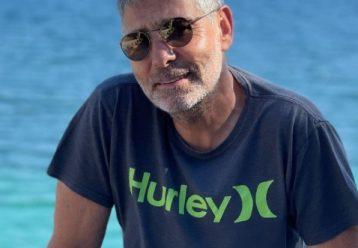 Θοδωρής Αθερίδης: Απολαμβάνει τις καλοκαιρινές διακοπές με την καλύτερη παρέα