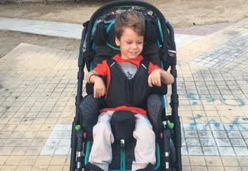 """Το μήνυμα του Δημητράκη: """"Η μόνη «ειδική ανάγκη» που έχω ως παιδί ΑμεΑ είναι να γίνω αποδεκτός στον κόσμο μας"""""""