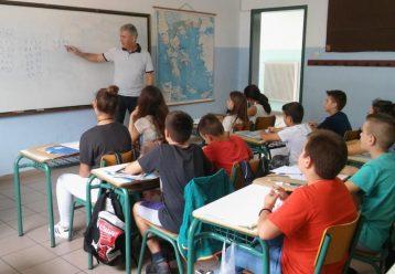 Θετικό κρούσμα στην τάξη: Τα 2 σενάρια που εξετάζουν οι ειδικοί για να μην κλείνουν τα σχολεία