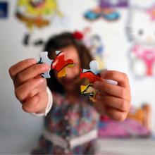"""Η 4χρονη Φανή """"άνοιξε τα φτερά της"""" και ονειρεύεται ένα φωτεινό μέλλον με την ανάδοχη οικογένειά της"""