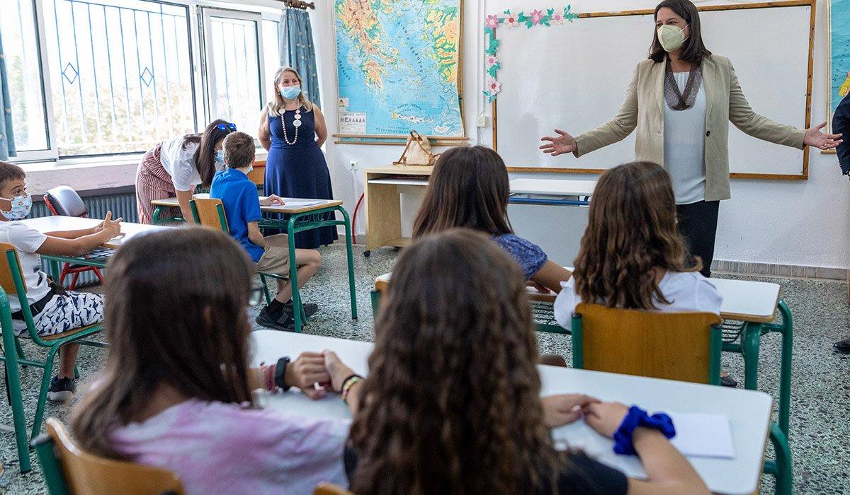 """Κεραμέως: """"Όταν ο μαθητής βρίσκεται σε καραντίνα, προβλέπεται άδεια ειδικού σκοπού για τους γονείς"""""""