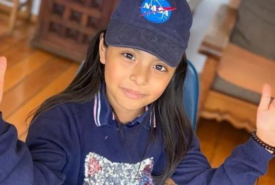 9χρονη με αυτισμό έχει υψηλότερο IQ από αυτό του Einstein και του Hawking!