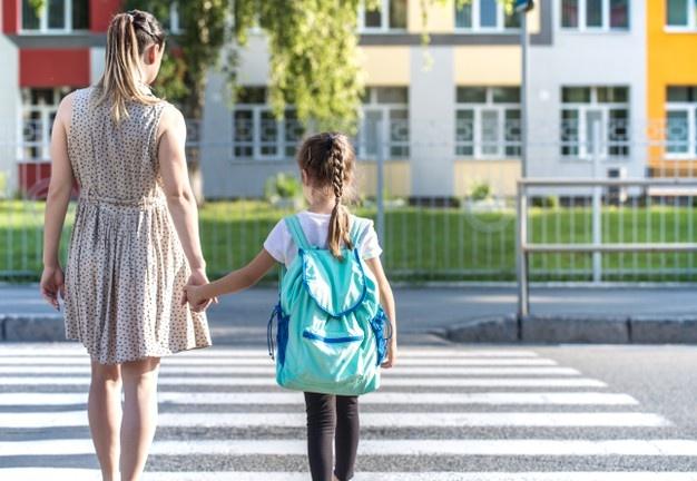 Καλή σχολική χρονιά: Συμβουλές για ασφαλείς μετακινήσεις μαθητών από και προς το σχολείο
