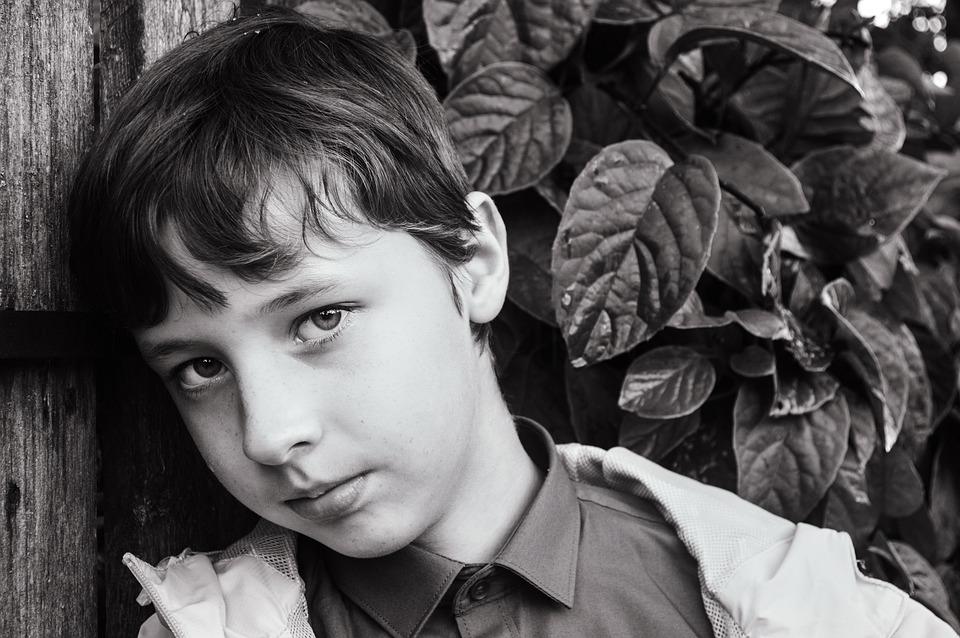 Πώς να στηρίξεις το έφηβο παιδί σου που πενθεί την απώλεια ενός αγαπημένου του προσώπου