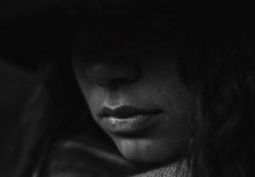 Αγωνία στις Σέρρες: Αυτοπυροβολήθηκε 13χρονη με καραμπίνα στο σπίτι της