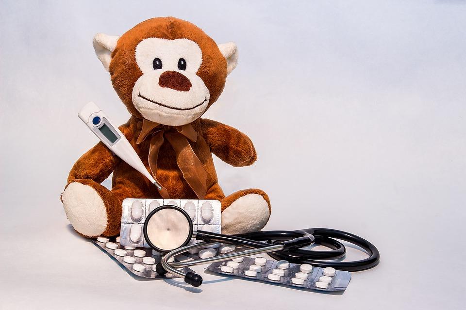 O παιδίατρος εξηγεί: Όλα όσα πρέπει να ξέρουν οι γονείς για τον πυρετό στα παιδιά - Οι 7 SOS συμβουλές