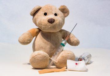 Πότε ξεκινούν οι εμβολιασμοί παιδιών για τον κορωνοϊό από τους παιδιάτρους;