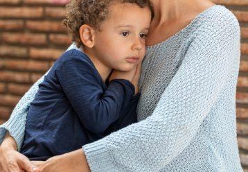 Έκκληση: Γιαγιά μεγαλώνει μόνη το 6χρονο εγγονάκι της και χρειάζεται τη βοήθειά μας