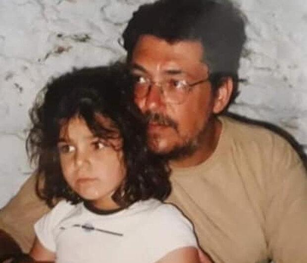 """""""Πάνε δυο χρόνια μπαμπάκα που έχω να ακούσω τη βελούδινη φωνή σου…"""": Συγκινεί η κόρη του Λαυρέντη Μαχαιρίτσα"""