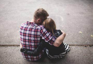 """""""Άντρας είναι αυτός που σου διασφαλίζει μια ζωή, που αν αφηγηθείς στη μάνα σου, να μην ντραπείς, να μη σε λυπηθεί.."""""""