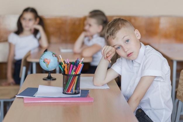 """""""Είμαι έξυπνος, αλλά βαριέμαι εύκολα και συχνά χάνω τη συγκέντρωσή μου"""": Μαθητής με ΔΕΠΥ γράφει στη δασκάλα του"""