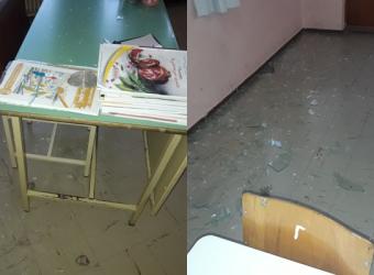 Αγρίνιο: Βανδάλισαν Δημοτικό Σχολείο οι Ρομά - Γιατί τα έκαναν «γυαλιά καρφιά» (φωτό)