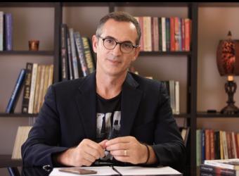 Γινόμαστε άνθρωποι απάνθρωποι – Γράφει ο συγγραφέας και ηθοποιός Κώστας Κρομμύδας