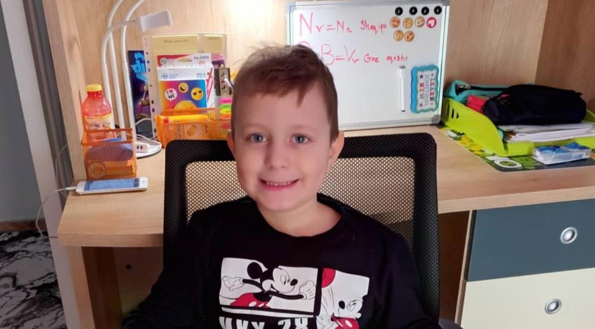 Έκκληση για τον 7χρονο Άγγελο που διαγνώστηκε με όγκο στον εγκέφαλο και πρέπει να χειρουργηθεί άμεσα