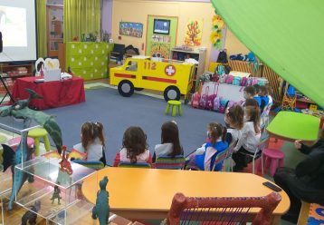 """Η """"Νεράιδα των πρώτων βοηθειών"""" έρχεται στα σχολεία για να μάθουν τα παιδιά να σώζουν ζωές!"""