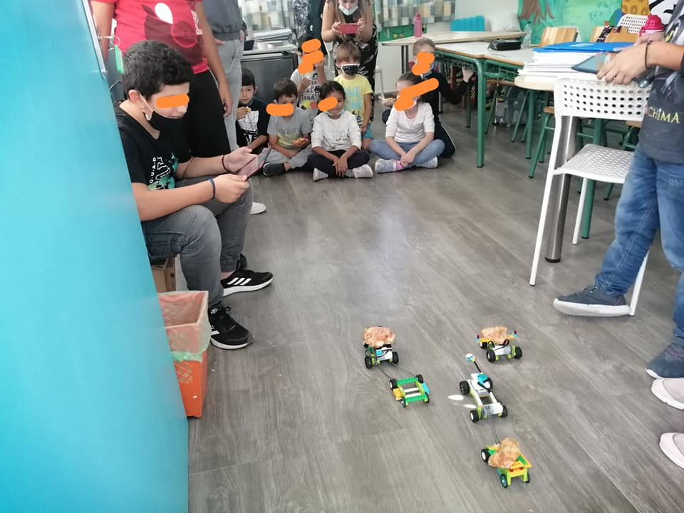 Oι μαθητές αυτού του Δημοτικού δημιούργησαν τη δική τους υπηρεσία delivery του κολατσιού με ...ρομπότ!