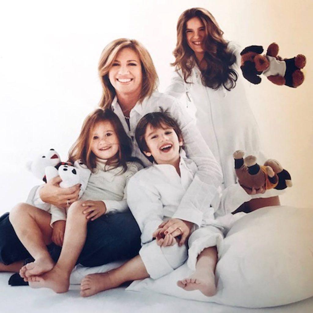 Συγκινεί η Φώφη Γεννηματά: «Είναι εξαιρετικά δύσκολο να σκέφτεσαι ότι τα παιδιά σου μπορεί να μεγαλώσουν χωρίς εσένα»