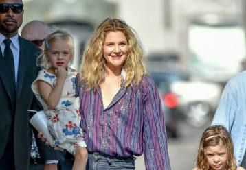 """Πώς μιλάς στα παιδιά σου για τα """"άγρια νιάτα"""" σου; Η Drew Barrymore έχει την απάντηση"""