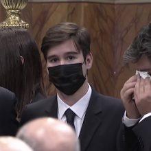 Ο 17χρονος Γιώργος αποχαιρετά με τα πιο τρυφερά λόγια τη μητέρα του, Φώφη Γεννηματά