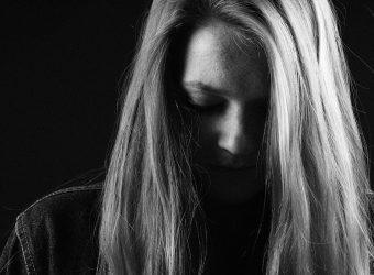Η κατάθεση της μαμάς της 8χρονης Κων/νας που έπεσε θύμα βιασμού στη Ρόδο