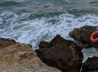 Τραγωδία στις Γούβες: Πώς ο παππούς θυσιάστηκε για να σώσει τα εγγόνια του - «Πάλευε για αρκετή ώρα»