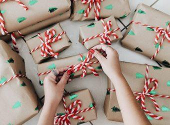 Χριστούγεννα χωρίς... παιχνίδια; Γιατί οι (προνοητικοί) γονείς παραγγέλνουν από τώρα τα δώρα των παιδιών;