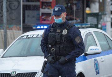 Σοκ στον Ασπρόπυργο: Παράτησαν βρέφος στον δρόμο και κλείδωσαν 3 παιδιά σε πορτ μπαγκάζ
